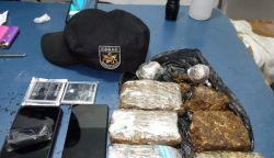Drogas e celulares são encontrados ao lado de muro de prisão em Tabatinga